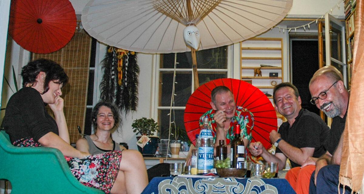 <br>Café, Artist talks<br>Gastgeberin: Christine Biehler